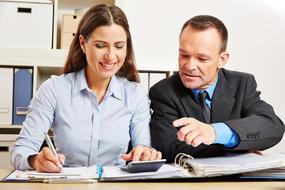 Naša služba Zamestnávatelia online vám ušetrí čas a prácu