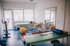 Nové oddelenie vo svidníckej nemocnici lieči prvých dôverákov